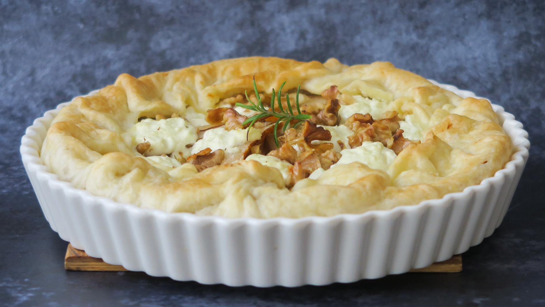 Baked Galette with pear, leek and goat cheese