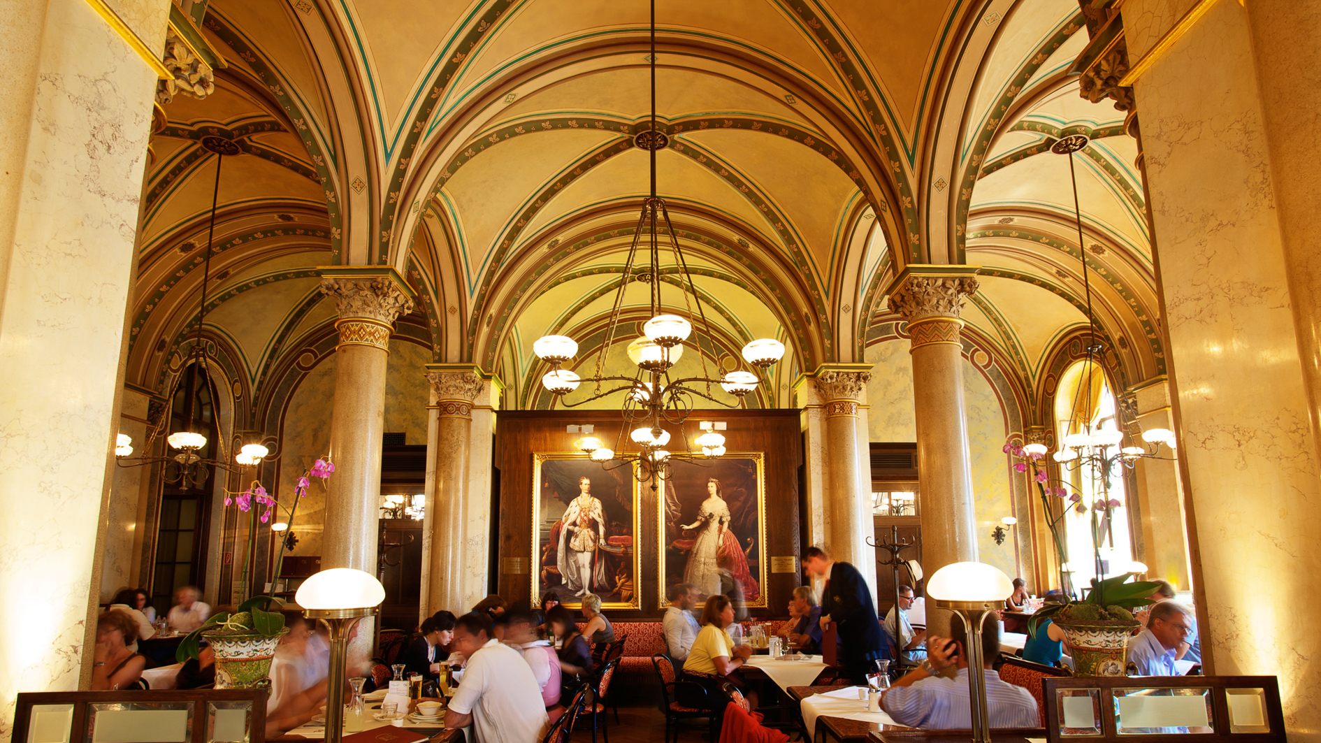 Famous coffeehouse Café Central in Vienna ©Cafe Central